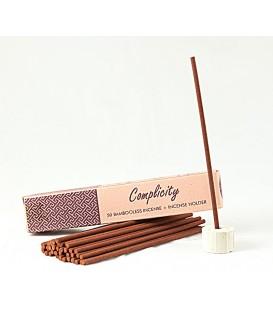 Nie zawierające bambusa kadzidła indyjskie z ceramicznym stojakiem EMPATIA (COMPLICITY) 50 sztuk Song of India
