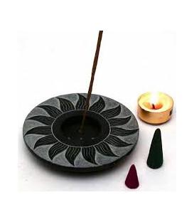 Podstawka pod kadzidła z czarnego kamienia mydlanego Motyw Słońca