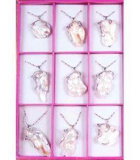 Naszyjnik ze szlachetną perłą z Japoni na srebrnym łańcuszku